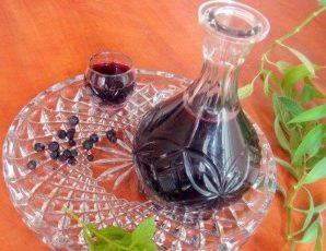 Настойка из черники: простые рецепты и технология приготовления